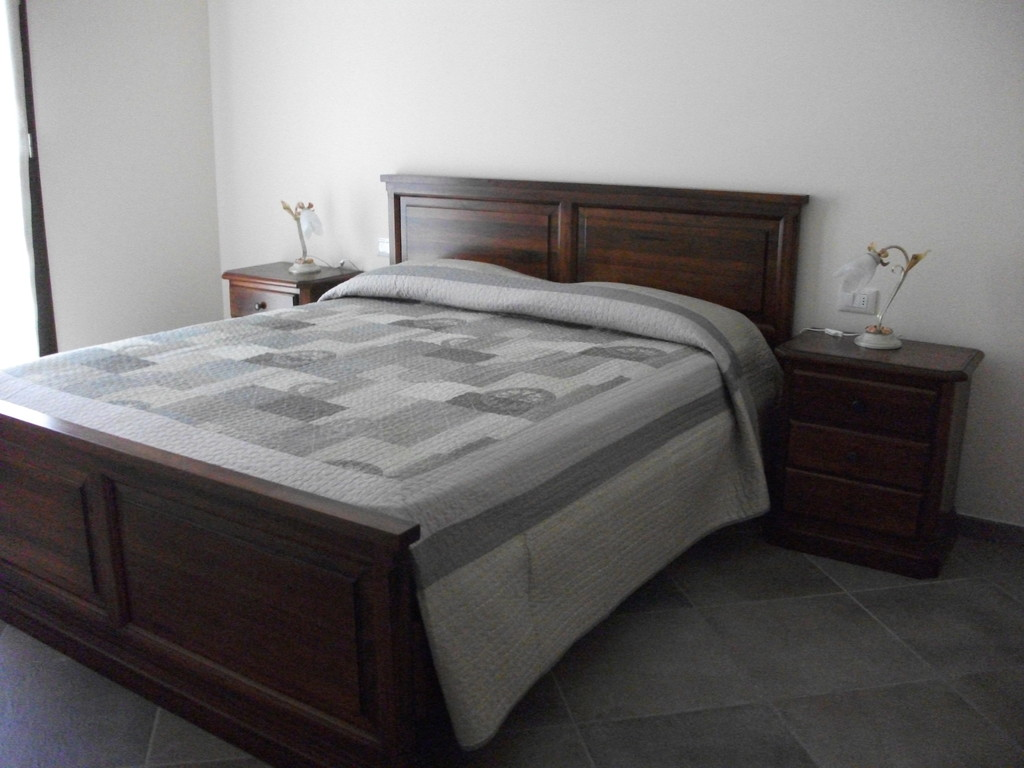 Ampio bilocale, composto da cucina soggiorno con divano letto ...